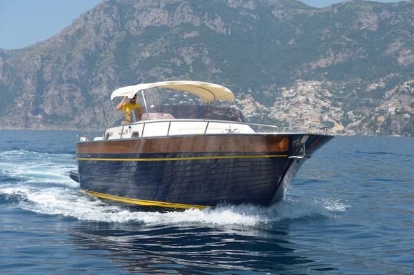Teo Boat from Luma Charter in Amalfi Coast sea