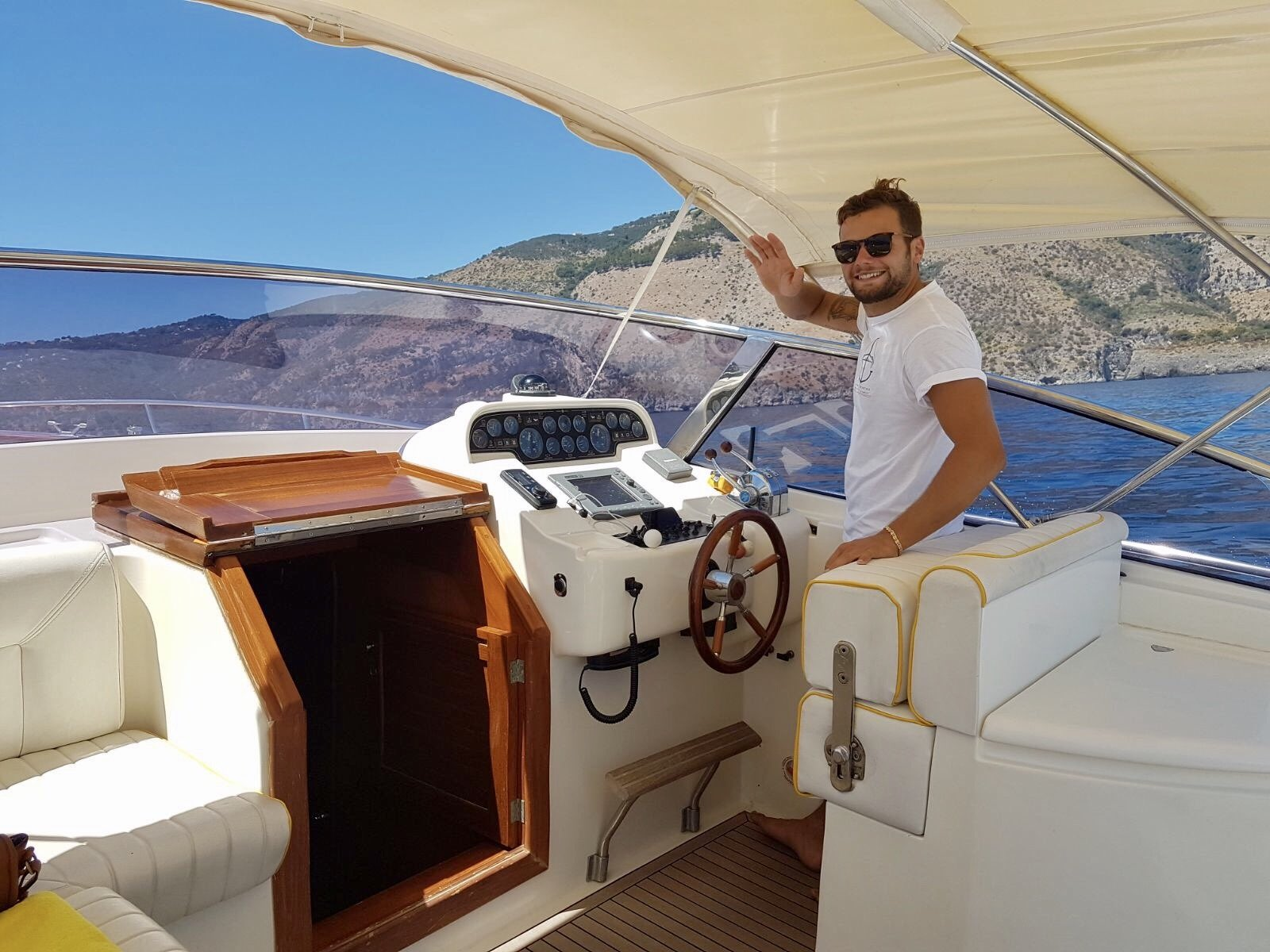 The captain and guide for sea tours and boat excursions in Amalfi Coast: Luca