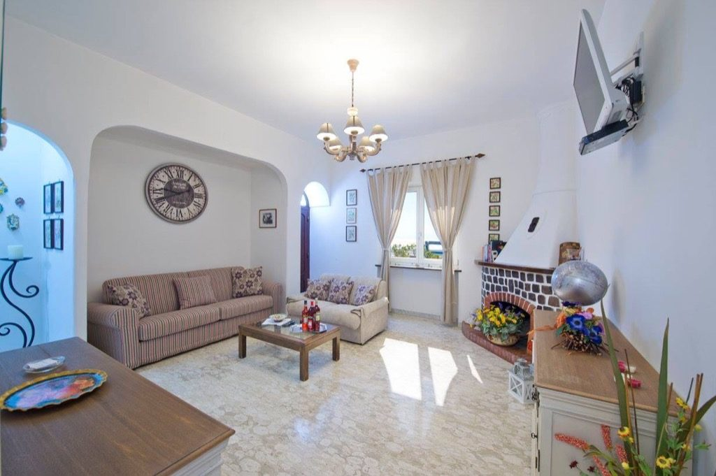 Casa Coccinella interior living room overview
