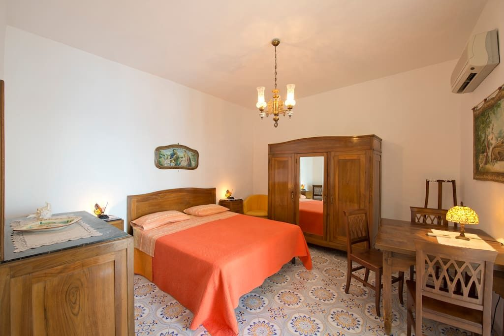 Casa Regina double bedroom