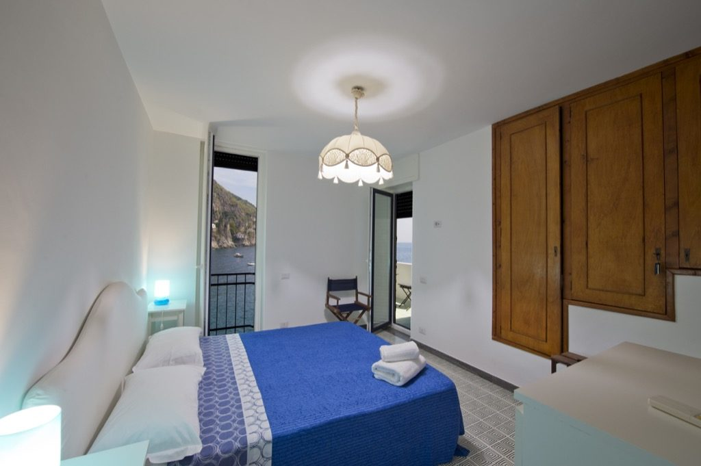 Casa Terramare double bedroom with huge light