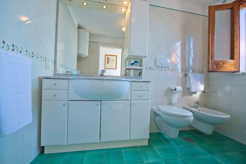 Casa regina bathroom mirror