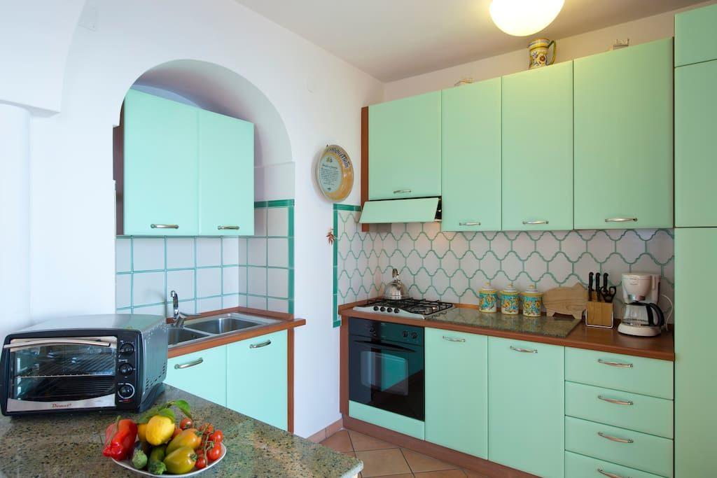 Casa Regina green kitchen