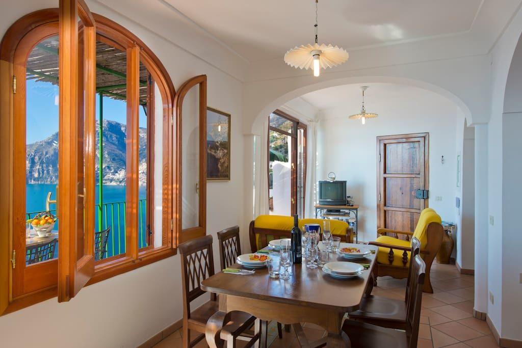 Casa Regina interior table ready for lunch