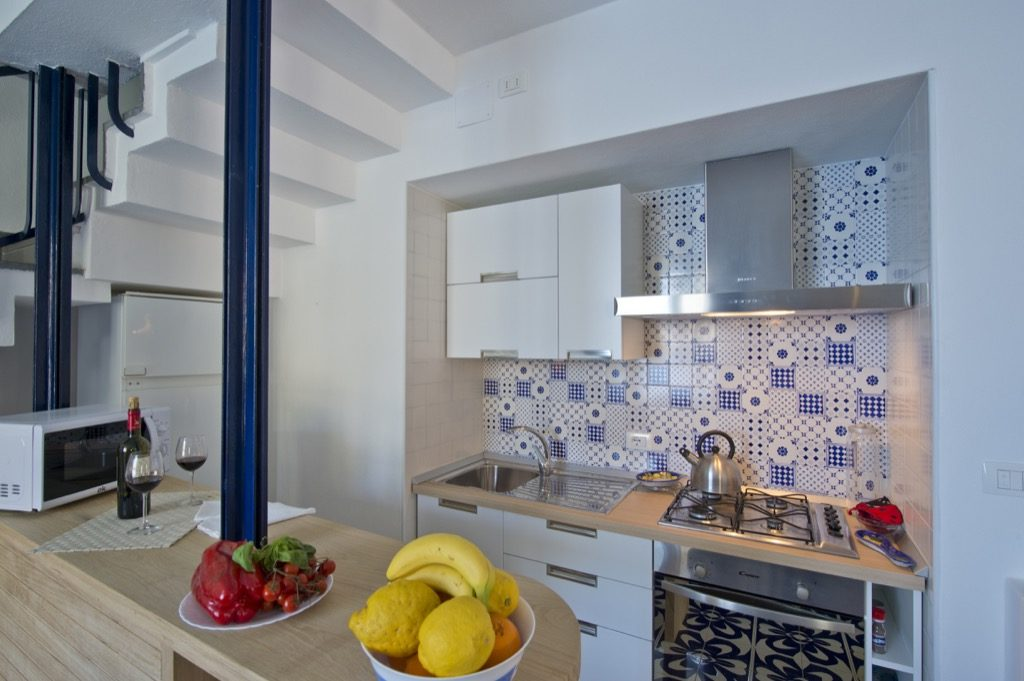 Casa Terramare open kitchen with fruits and vegetables